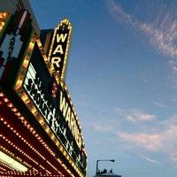 10/4/2013 tarihinde Julieziyaretçi tarafından Warner Theatre'de çekilen fotoğraf