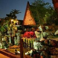 Photo taken at Mai-Kai Restaurant and Polynesian Show by Julie on 6/28/2013