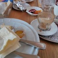 Foto scattata a Café Meerwiesen da Athi S. il 12/30/2013