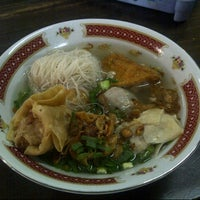"Photo taken at Bakso & Bakwan Malang ""Cak Uban"" by Veliana H. on 11/24/2013"