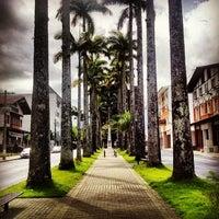 Photo taken at Rua das Palmeiras by Fabio G. on 1/26/2014