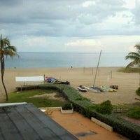 Das Foto wurde bei Ocean Point Beach Resort von Aces Wild C. am 9/24/2011 aufgenommen