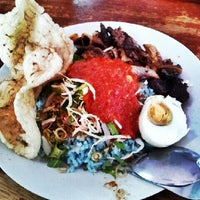 Photo taken at Restaurant Muhibbah Dengkil by Saru Y. on 3/27/2013