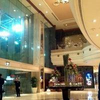 Photo taken at Sheraton Saigon Hotel & Towers by Nguyen H. on 11/14/2012