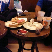 Photo taken at J.Co Donuts & Coffee by Achmad Pulung Y. on 1/23/2014