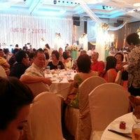 Photo taken at Klang Palace Restaurant by Kong C. on 11/17/2013