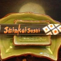 รูปภาพถ่ายที่ Shinkai Sushi โดย Fernanda P. เมื่อ 4/14/2013