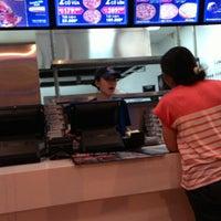 Photo taken at Domino's Pizza Khánh Hội by Đào Trung Thành on 6/9/2014