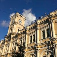 Снимок сделан в Московский вокзал пользователем Vik 😄 S. 7/16/2013