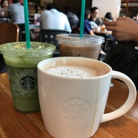 Photo taken at Starbucks by QiQi C. on 12/3/2016