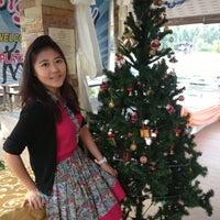 Photo taken at Banplatubtim Resort by Bantika U. on 12/31/2012