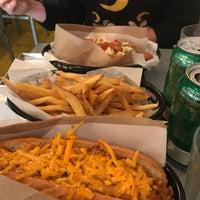 Foto tirada no(a) Hot Rod Dog por Raquel M. em 8/12/2018