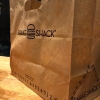 Photo prise au Shake Shack par Ingvild M. le11/5/2017
