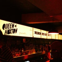 Photo prise au Queen of Hoxton par Robert D. le10/24/2012