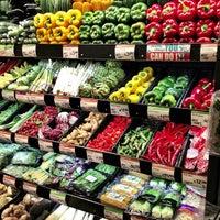 2/16/2013 tarihinde Robert D.ziyaretçi tarafından Whole Foods Market'de çekilen fotoğraf
