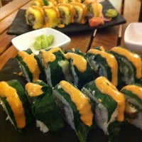 Photo taken at Sushi Itto by Vero B. on 11/12/2012
