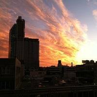 Photo taken at MTA Subway - Queensboro Plaza (N/W/7) by Elizabeth on 10/12/2012