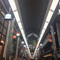 Photo taken at 新京極商店街 by bOn on 11/10/2017