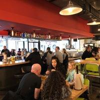 Das Foto wurde bei Hopdoddy Burger Bar von Chuck S. am 12/31/2017 aufgenommen