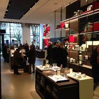 Das Foto wurde bei Nespresso Boutique von Ralph R. am 12/6/2012 aufgenommen