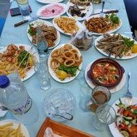 7/14/2014 tarihinde Alex G.ziyaretçi tarafından Ψαροταβερνα Κουκλις / Kouklis Restaurant'de çekilen fotoğraf