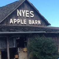 Photo taken at Nye's Apple Barn by Honey L. on 9/22/2013