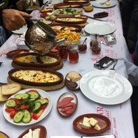 Das Foto wurde bei Yazıcılar Otel & Restaurant von Deniz D. am 10/28/2012 aufgenommen