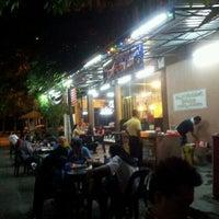 Photo taken at Chamek Kopitiam by Mokhsin S. on 9/29/2012