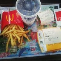Foto tirada no(a) McDonald's por Galego G. em 6/13/2013