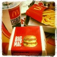Foto tirada no(a) McDonald's por Galego G. em 6/23/2013