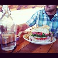 9/19/2012にAmanda R.がNoni's Bar & Deliで撮った写真