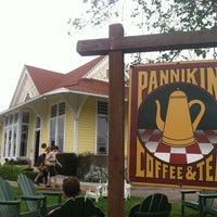 Photo taken at Pannikin Coffee & Tea by Winnie R. on 3/25/2014