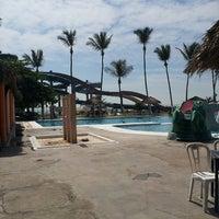 รูปภาพถ่ายที่ Mocambo โดย Uriel G. เมื่อ 3/17/2013