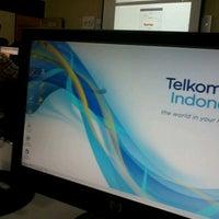 Photo taken at Telkom Indonesia SME Center DBSR 6 Kalimantan Lantai Dasar by aswoein w. on 5/19/2013