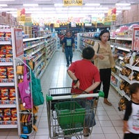 Photo taken at Giant Hypermarket by Teguh N. on 11/2/2013