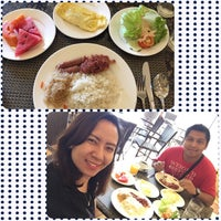 Photo taken at Planta Centro Bacolod Hotel & Residences by Amci 💃🏻 on 7/24/2017