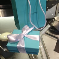 Foto scattata a Tiffany & Co. da Lisa Yvette L. il 6/19/2013