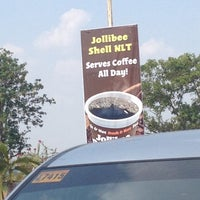 Photo taken at Jollibee by Wayne P. on 4/14/2014