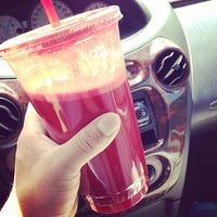 Photo taken at Tropifruit 100% Natural Juice Bar by Fermin T. on 5/28/2014