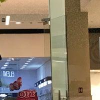 Foto tirada no(a) JK Shopping por Rennielson A. em 7/17/2017