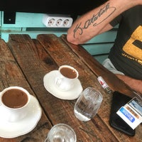 7/28/2018 tarihinde Gülender A.ziyaretçi tarafından Poka Coffee Roasters'de çekilen fotoğraf