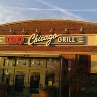 Photo taken at Uno Pizzeria & Grill - Southport by Boom Boom J. on 2/7/2013