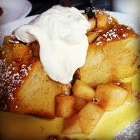 10/13/2012 tarihinde Logan M.ziyaretçi tarafından Lula Café'de çekilen fotoğraf