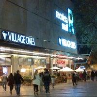 Foto scattata a Village Cines da Carlos I. il 9/30/2012