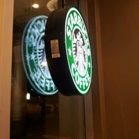 Photo prise au Starbucks par Event D. le10/10/2012