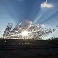Foto tirada no(a) Arena Corinthians por Stephanie O. em 5/4/2013