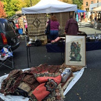 Foto tirada no(a) Georgetown Flea Market por Jamie F. em 10/25/2015