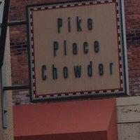 Foto tirada no(a) Pike Place Chowder por Earl Y. em 6/1/2013