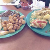 Photo taken at Golden Corral by Tiffany W. on 1/18/2013