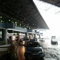 Photo taken at Noi Bai International Airport (HAN) by David on 11/25/2012